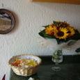 petali e fiori con peperoncini