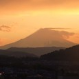 Fuji_sunset_cloud_or_snow