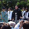 新横綱日馬富士、奉納土俵入り前の参拝